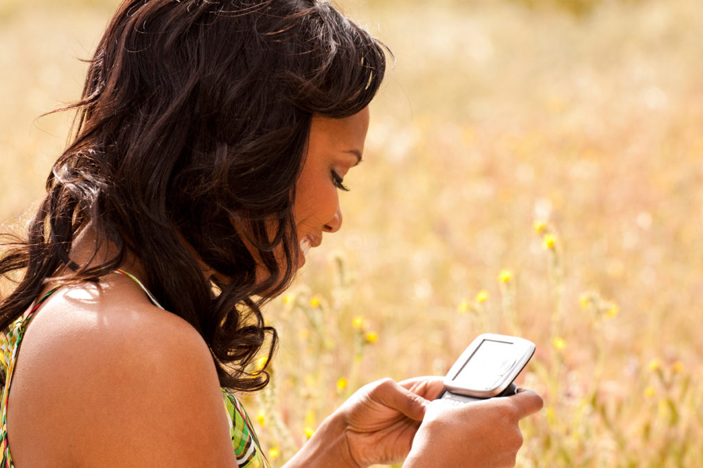Africa Woman mobil money